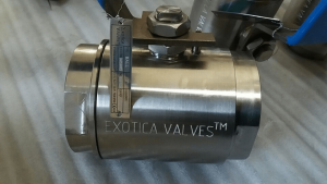A20 UNS N08020 floating ball valve