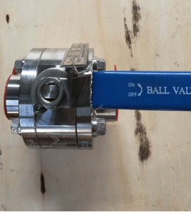 Ball valve floating type duplex A182 F51 UNS S31803 body stem and ball top